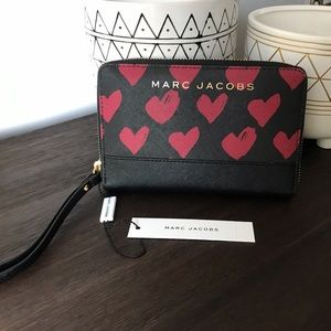 NWT Marc Jacobs phone wallet/wristlet